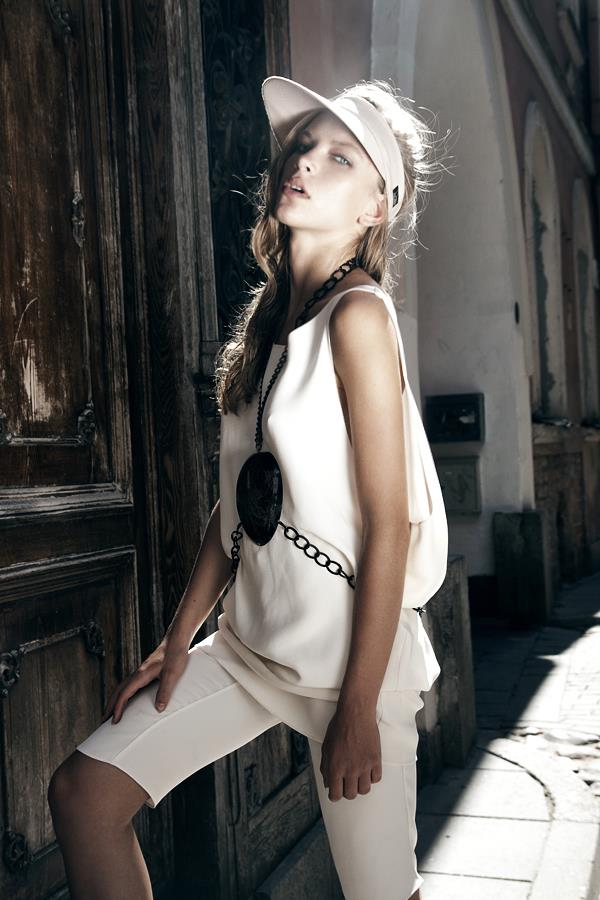 Style & Design - Daili, Foto - Kate Nova, MUA - U. Ezerinskaite, Models- Ugnė, Urtė (Rūta model) 2012 (23)