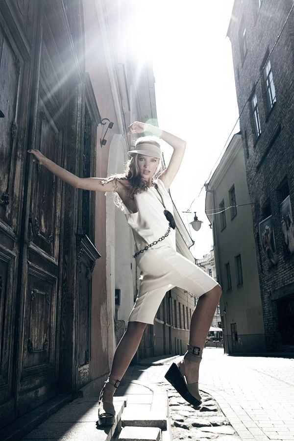 Style & Design - Daili, Foto - Kate Nova, MUA - U. Ezerinskaite, Models- Ugnė, Urtė (Rūta model) 2012 (26)