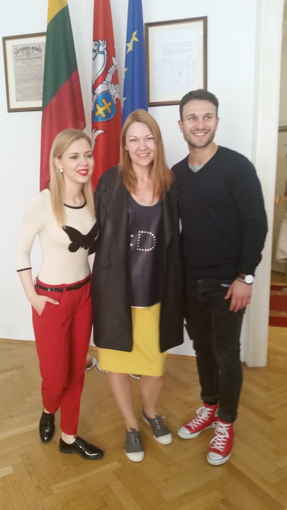 Vienoje Lietuvos  Ambasada visi Eurovizijos dalyviai (1)