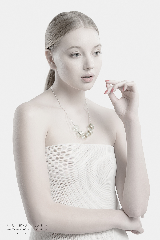 Daili Jewelry foto Tibor Galamb model Karolina Toleikyte  (13)