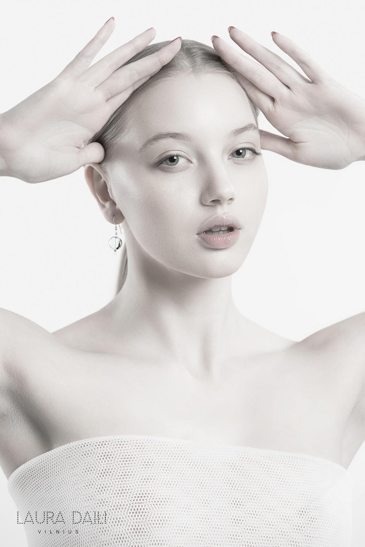 Daili Jewelry foto Tibor Galamb model Karolina Toleikyte  (14)