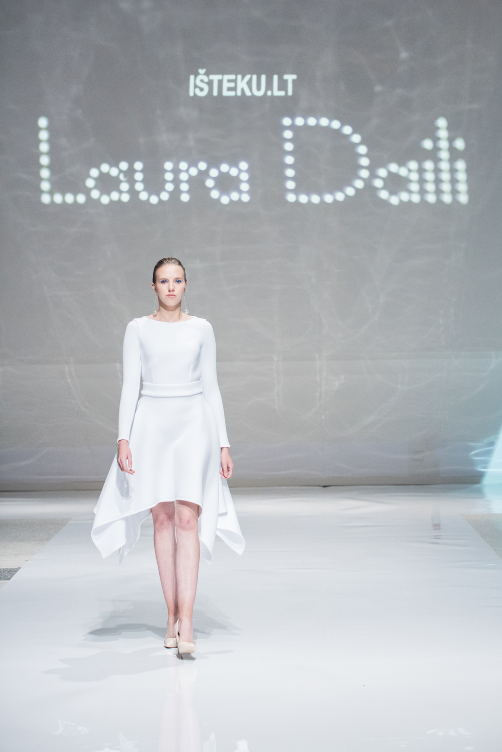 Laura Daili Bridal Collection 2017 Isteku lt (11)