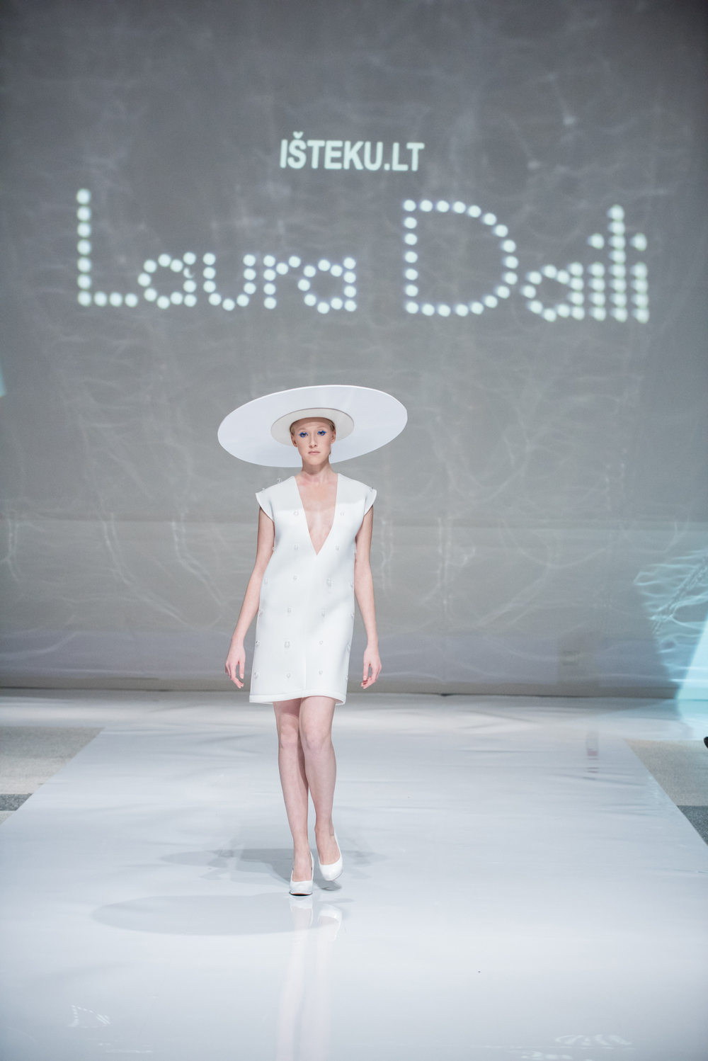 Laura Daili Bridal Collection 2017 Isteku lt (16)
