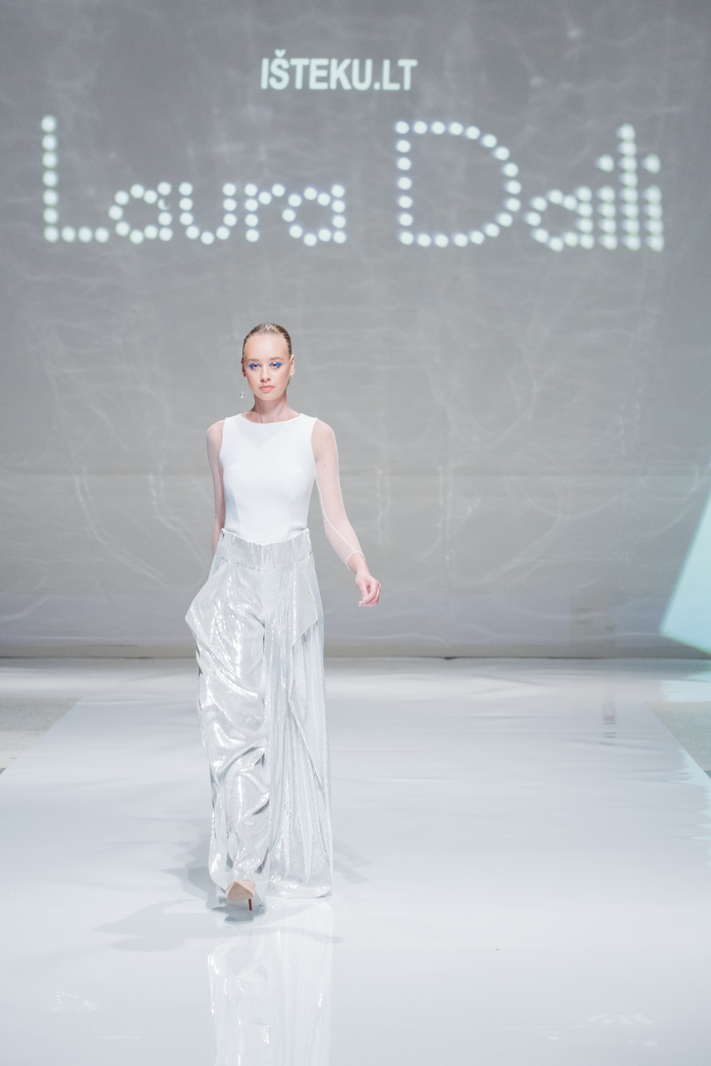 Laura Daili Bridal Collection 2017 Isteku lt (19)