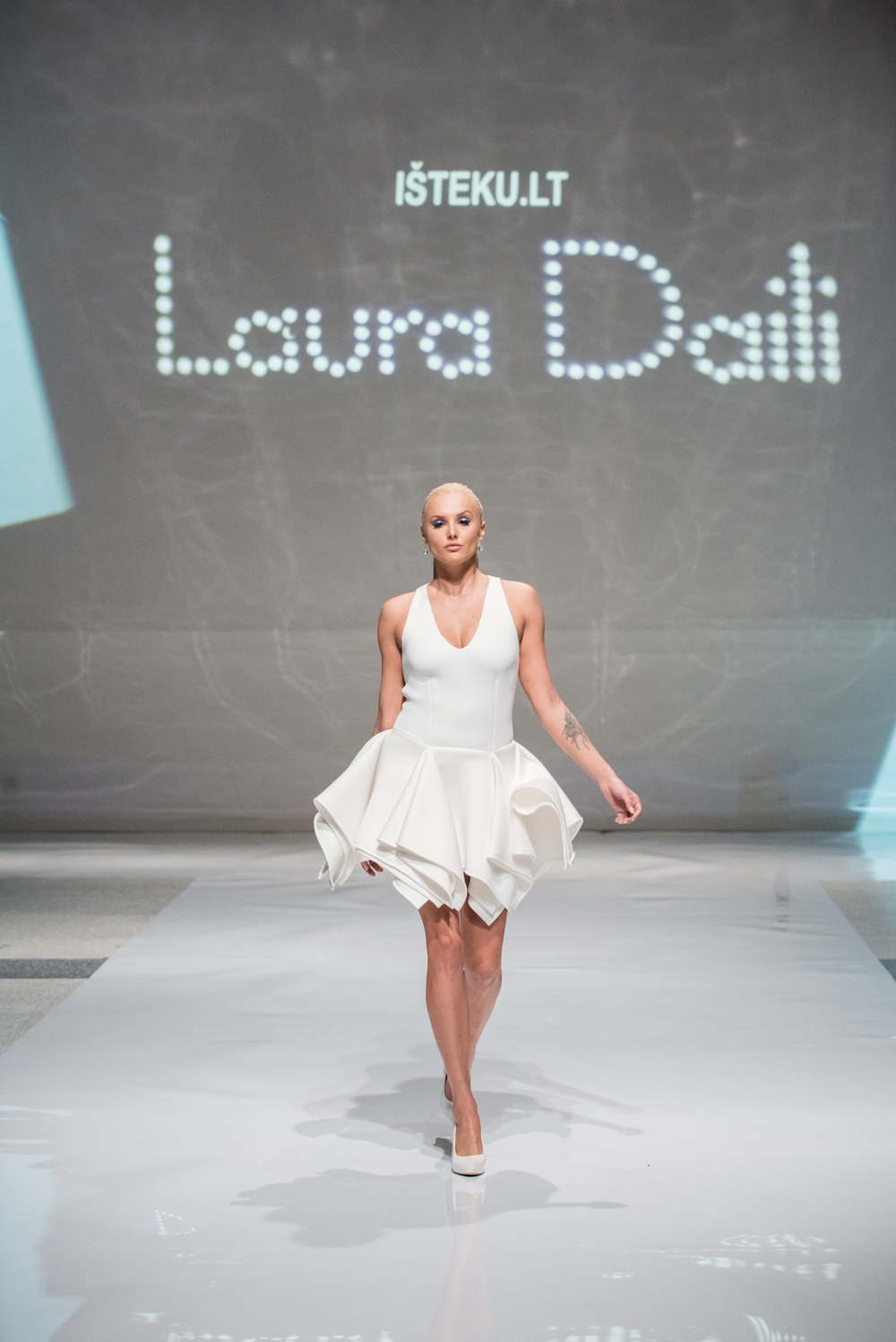 Laura Daili Bridal Collection 2017 Isteku lt (2)