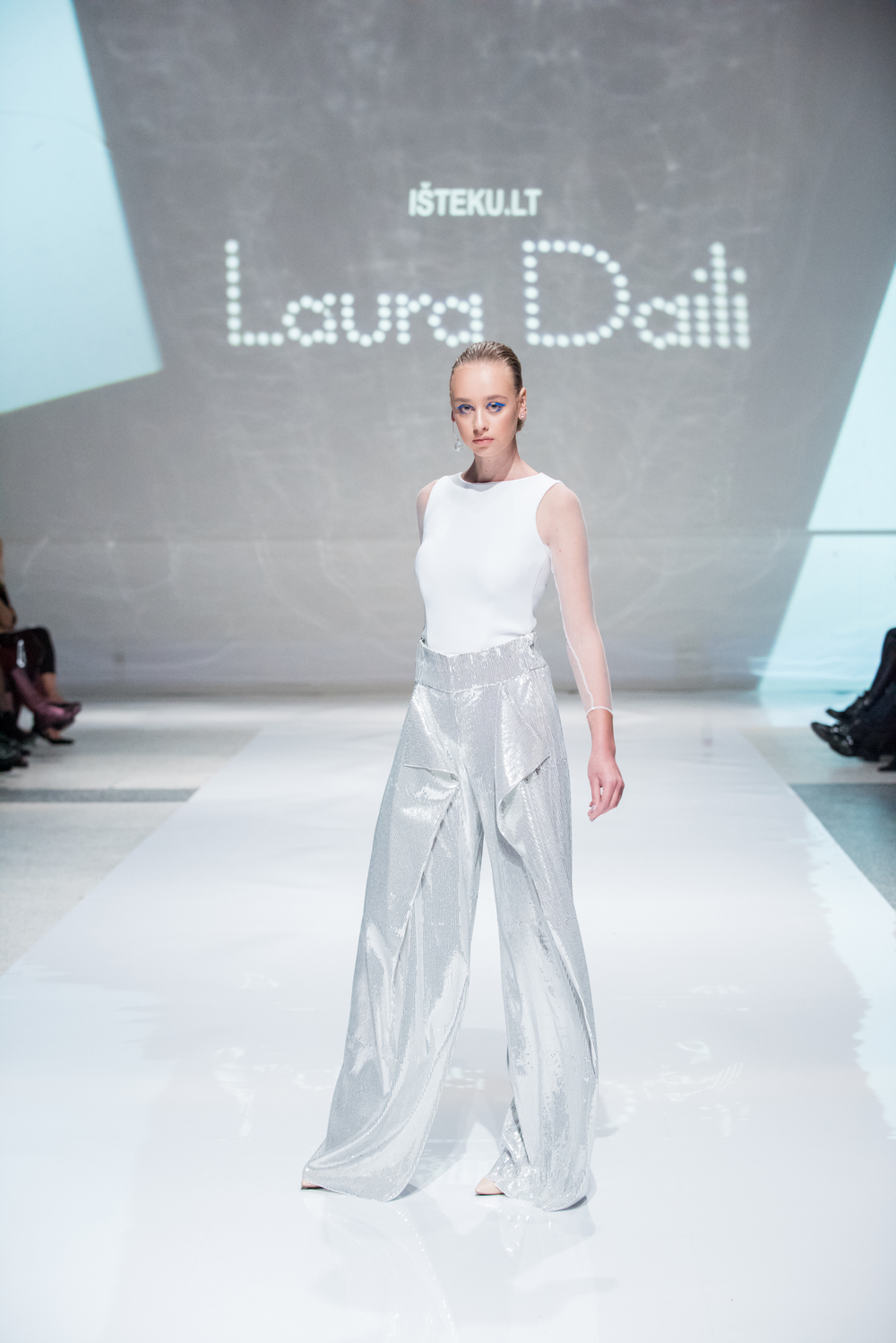 Laura Daili Bridal Collection 2017 Isteku lt (20)