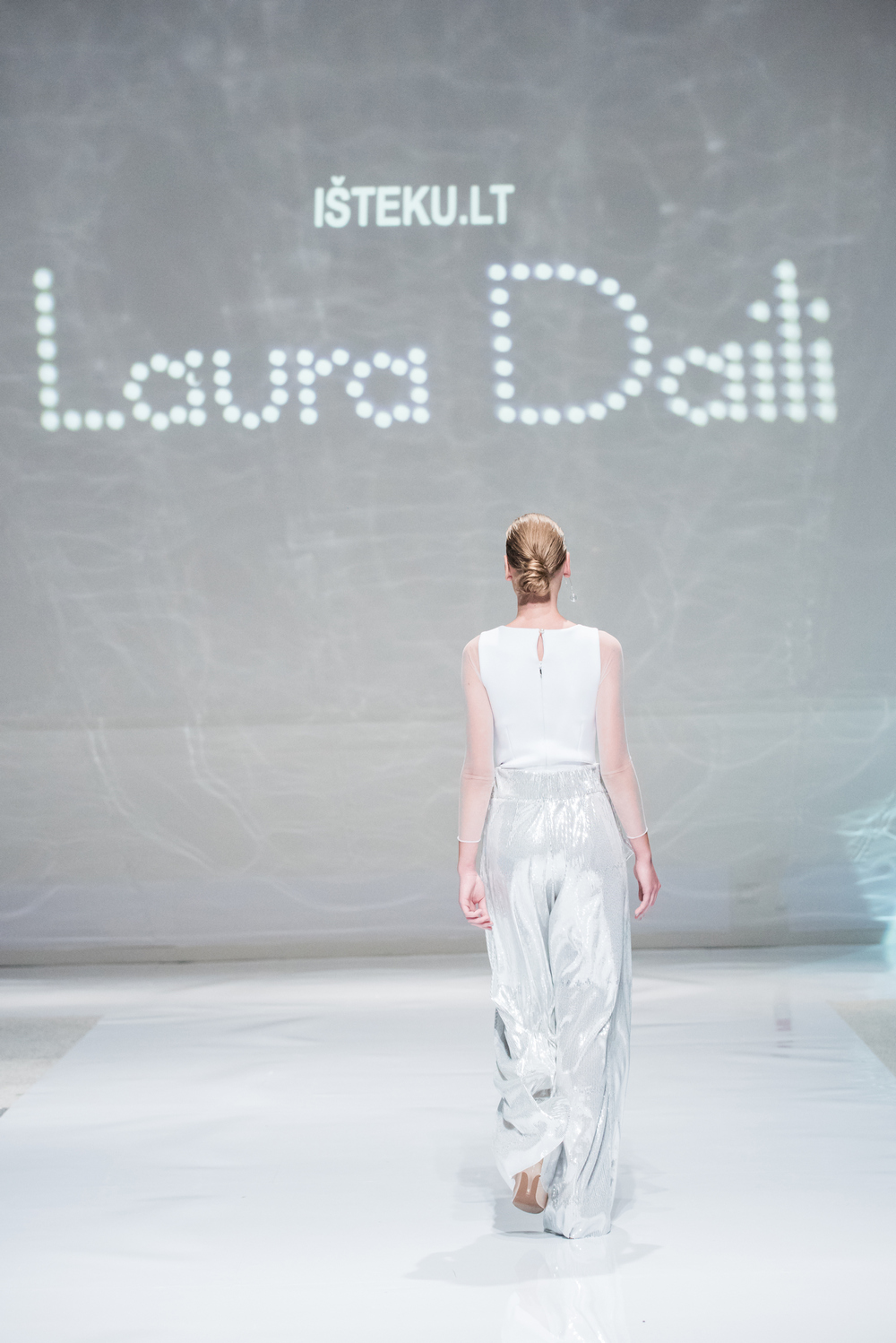 Laura Daili Bridal Collection 2017 Isteku lt (21)