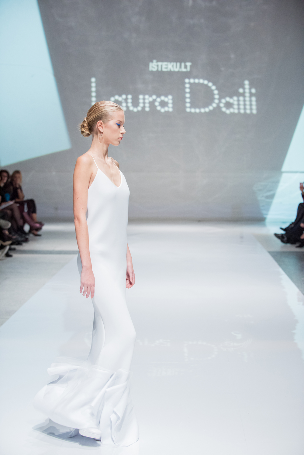 Laura Daili Bridal Collection 2017 Isteku lt (26)