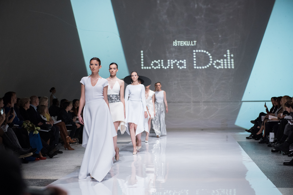 Laura Daili Bridal Collection 2017 Isteku lt (37)