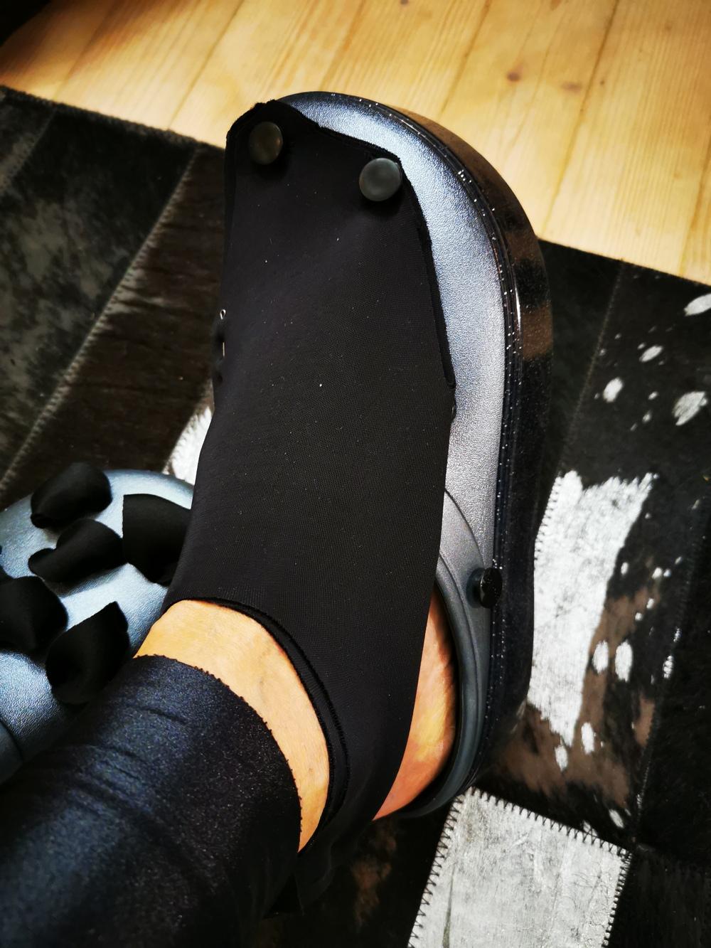 dizainerės lauros Dailidenienes kolekcija su crocs (13)