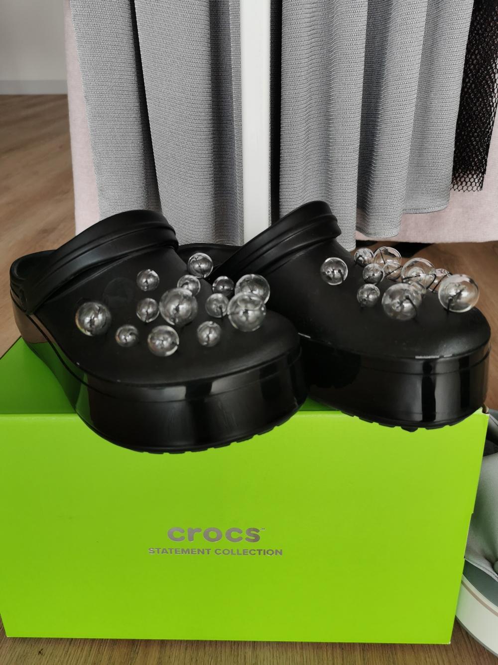 dizainerės lauros Dailidenienes kolekcija su crocs (18)
