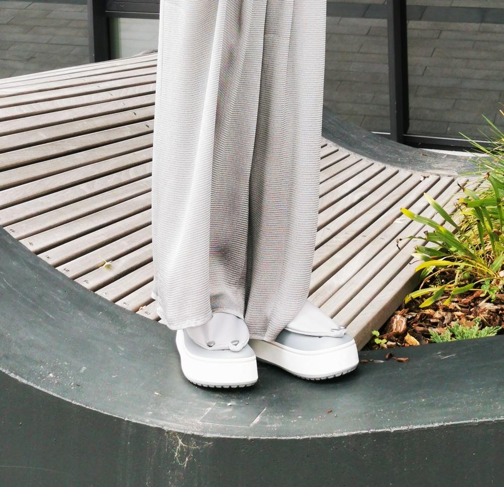 dizainerės lauros Dailidenienes kolekcija su crocs (28)