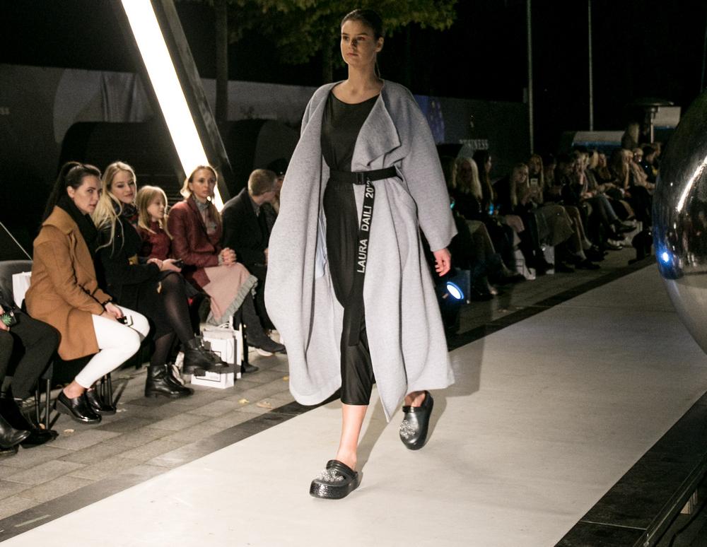 dizaineris Laura Daili kolekcija fashion designer show (73)