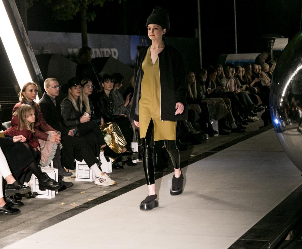 dizaineris Laura Daili kolekcija fashion designer show (89)