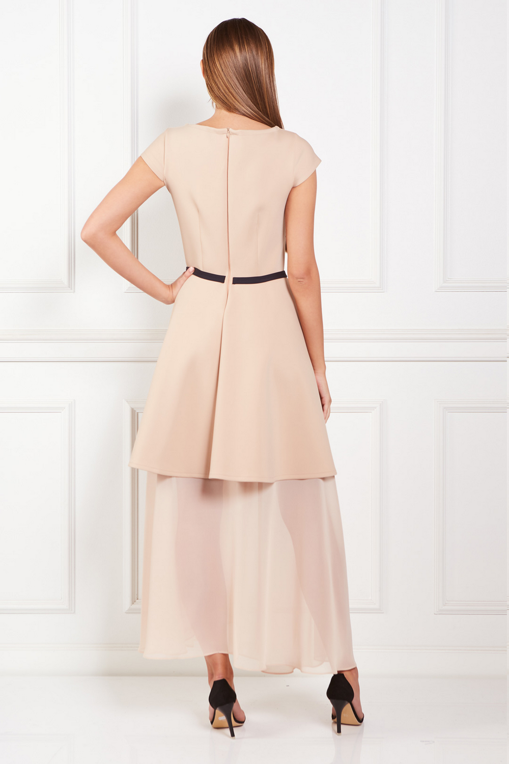 beige-meghan-dress (2)