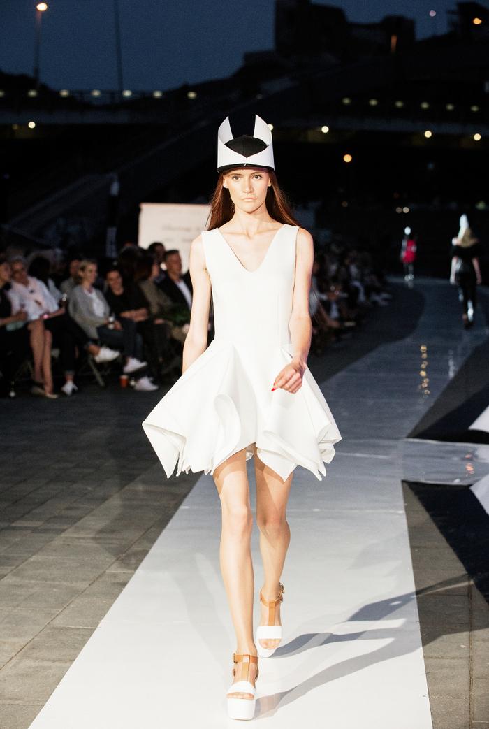 babe, shine sharp dress by lithuania designer laura daili fashion catwalk (1)