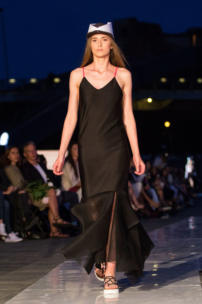 babe, shine sharp dress by lithuania designer laura daili fashion catwalk (10)