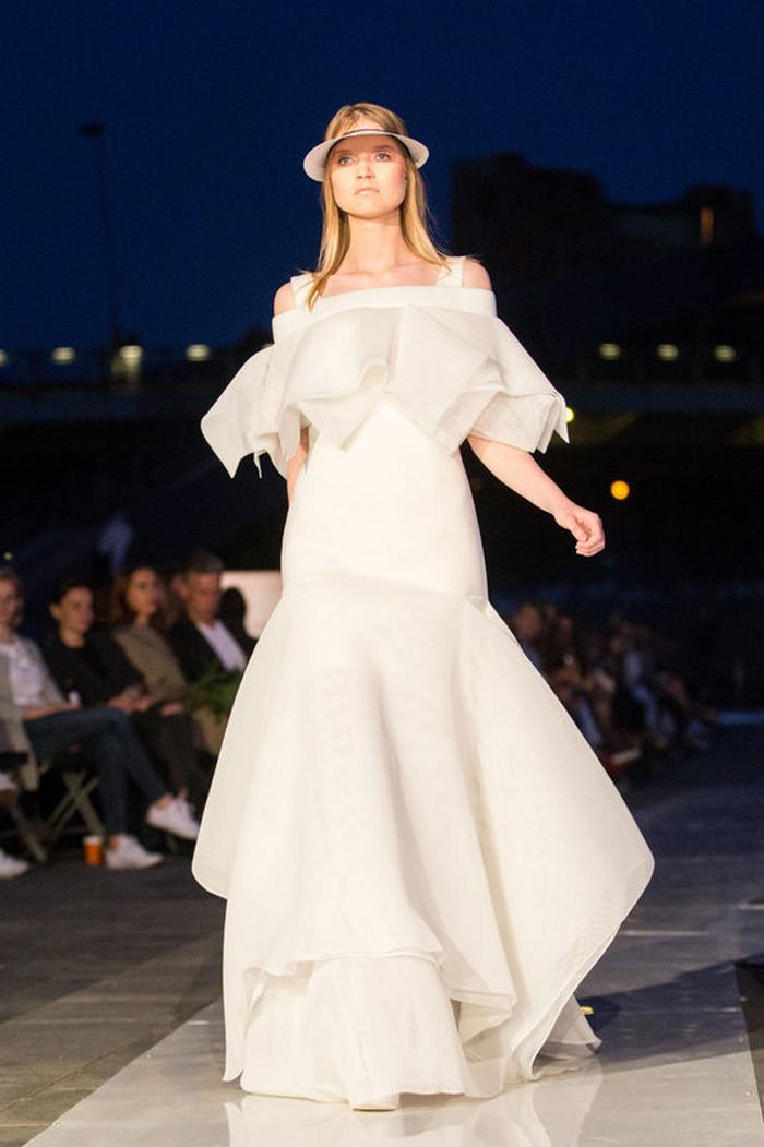babe, shine sharp dress by lithuania designer laura daili fashion catwalk (14)