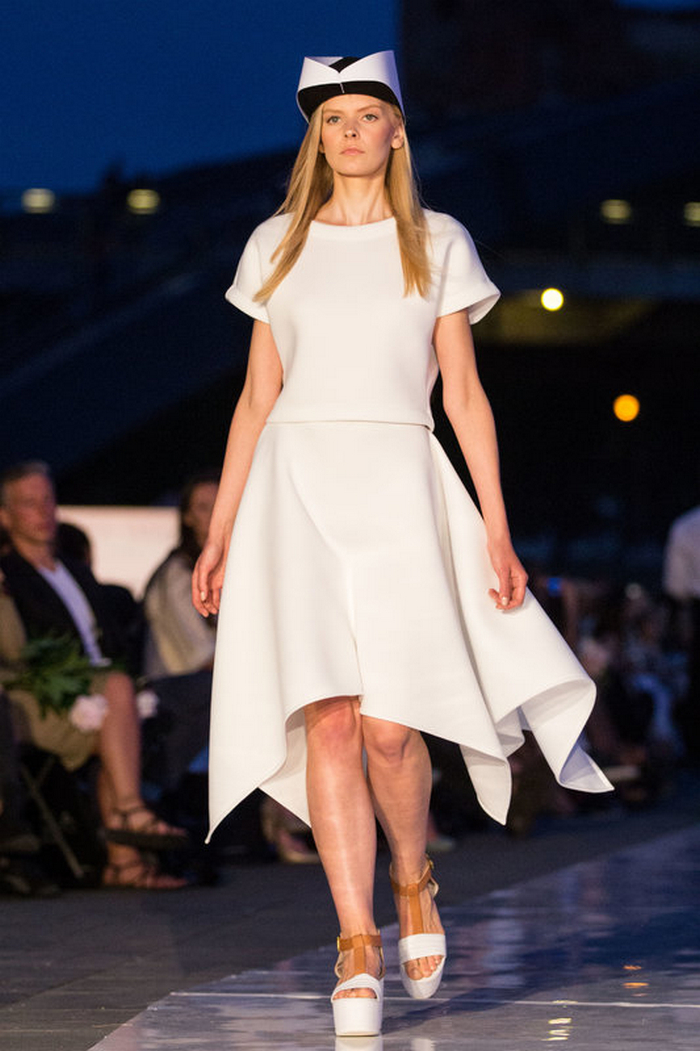 babe, shine sharp dress by lithuania designer laura daili fashion catwalk (2)