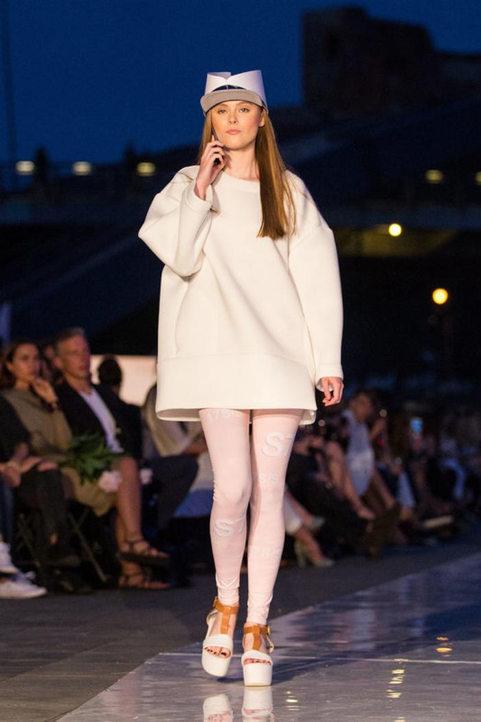 babe, shine sharp dress by lithuania designer laura daili fashion catwalk (3)