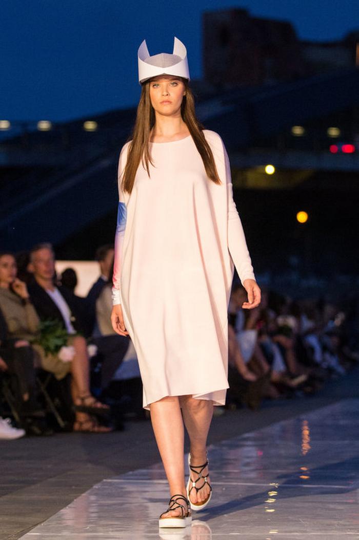 babe, shine sharp dress by lithuania designer laura daili fashion catwalk (5)