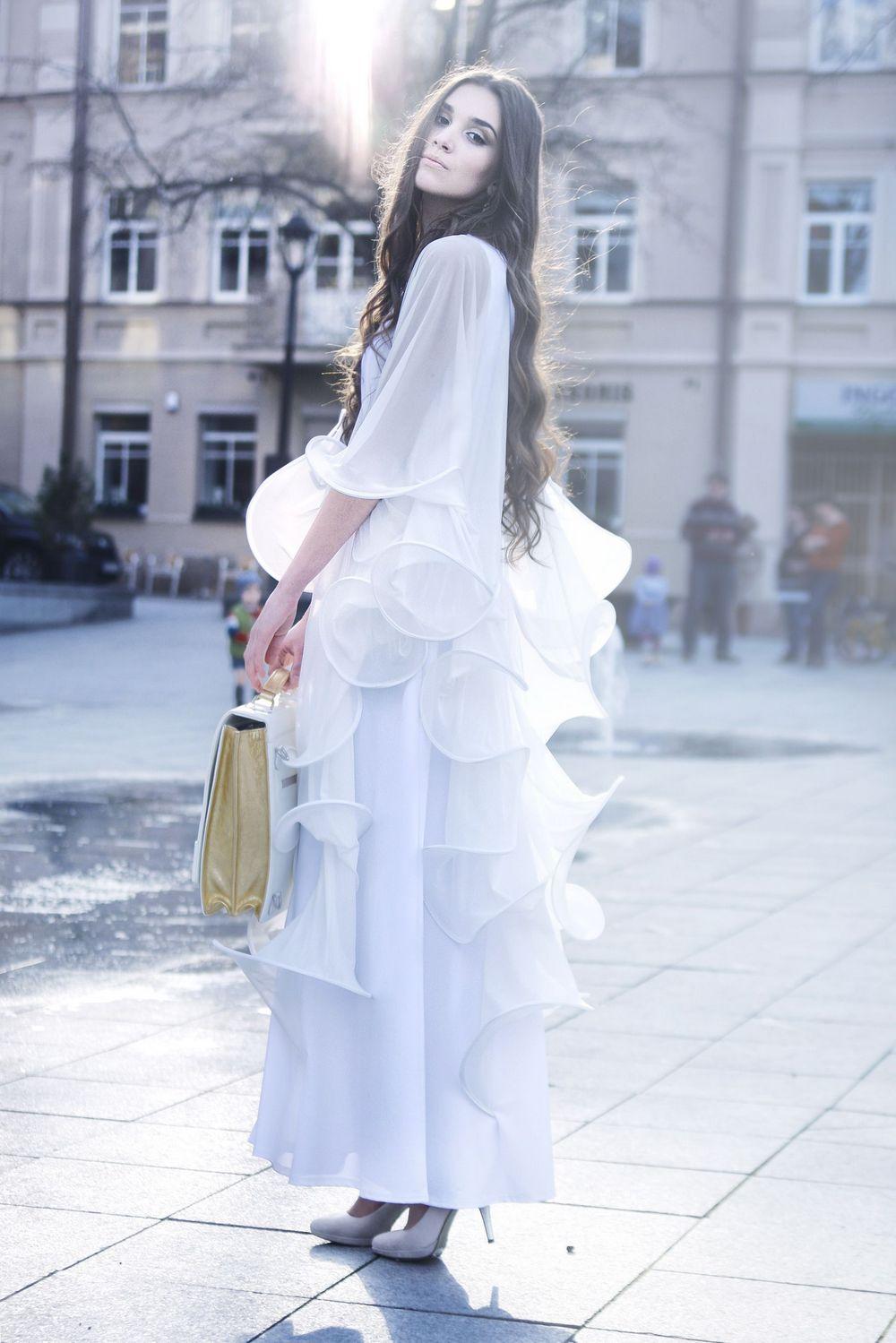 Laura Daili Wavy vestuvine suknele